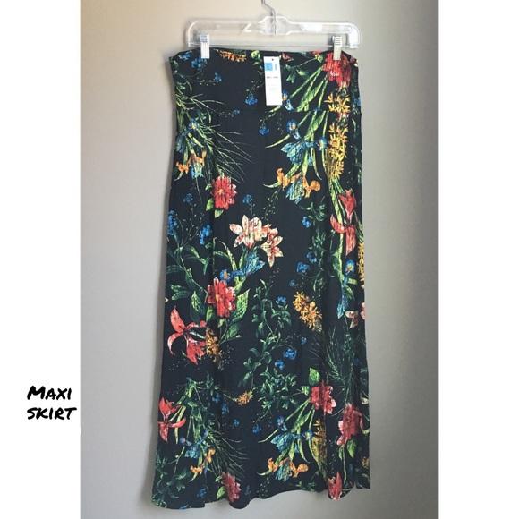 Agnes & Dora Dresses & Skirts - Maxi skirt floral large